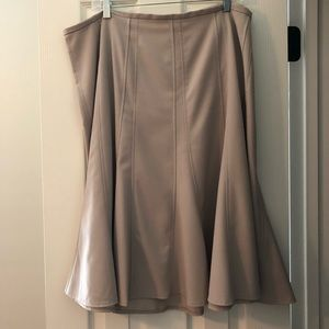 Flippy Khaki Skirt Sz22